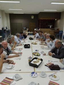 De ontmoeting: samen eten en een gesprek
